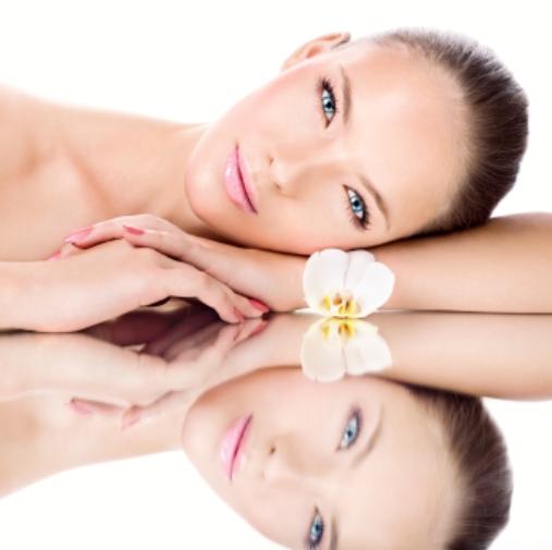Beauty Treatments, nails, nail treatments, massage, waxing, ear piercing, shellac, lash lift, brow henna, pedicure,