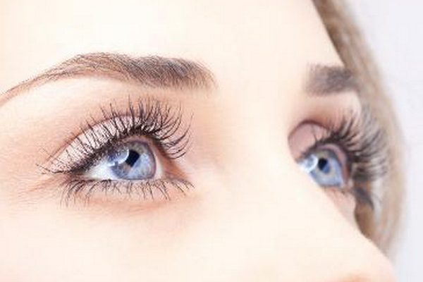 10 ways to ageproof your eyes